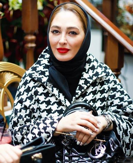عکس الهام حمیدی در افتتاحیه گالری نقره همسر نیوشا ضیغمی